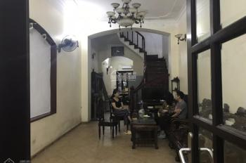 Cho thuê nhà trong ngõ cách mặt phố Phố Huế 20m, gần ngay Vincom, 90m2 x 4 tầng, nhà rất đẹp, MT 5m