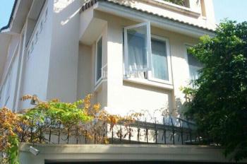 Bán nhà tại đường Hoa Phan Xích Long. DTCN; 104m2. Giá: 120Tr/m2