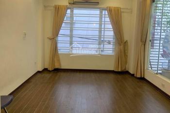 Chính chủ bán nhà Lô góc , nhà cực đẹp giá 4.3 tỷ  ở Đê La Thành, Quận Đống Đa.