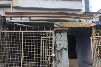 Đổ nợ bán gấp nhà cũ hẻm 136 Huỳnh Tấn Phát, P. Tân Thuận Tây, Q. 7, 4x13.5m. LH: 0908013435