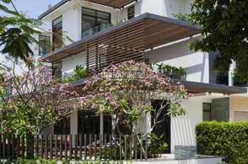 Bán nhà 3 mặt tiền đường Nguyễn Thị Huỳnh, Phú Nhuận, DT 5x20m, HĐT 70tr/tháng. Giá 19 tỷ 2