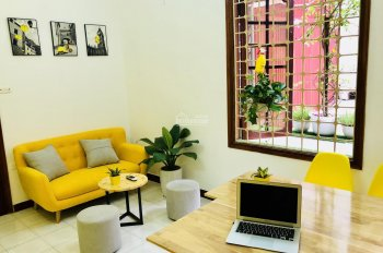 Văn phòng 15m2, full nội thất (như hình), 3.5 tr/th, 231 Chùa Bộc, LH: 0988865388