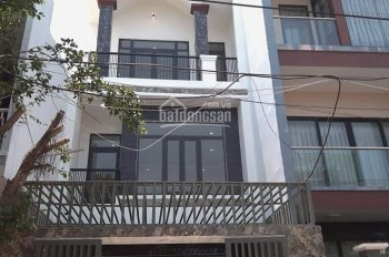 Bán nhà 3 tầng gần cầu Nguyễn Tri Phương, phường Hòa Xuân, quận Cẩm Lệ, Đà Nẵng