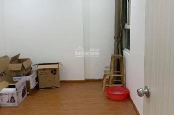 Chính chủ cần bán gấp căn hộ chung cư Ecohome Phúc Lợi căn 2PN vị trí đẹp. Liên hệ 0977330094