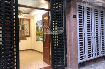Chính chủ bán nhà DT 35m2 * 5T xây mới phố Thanh Lân, ô tô đỗ cửa, giá 2,35 tỷ. LH: 0973883322