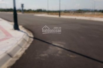 Bán lô đất gần sân bay khu đất đấu giá - 80m2 - view công viên - 1,3 tỷ - 0935268925