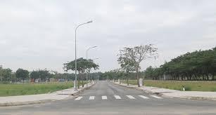 Cần bán gấp lô đất  Lý Phục Man, Q7, gần trường THCS Nguyễn Hiền, DT 100m2, giá 23tr/m2;0902236311
