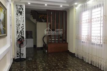 Cần bán dãy nhà hiện đại sang trọng ngõ 331, Bát Khối, giá: 3,2 tỷ, gọi: 0982720859 Mr Thành