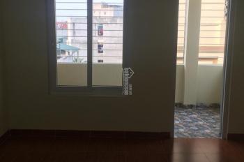 Bán nhà 2T x 35m Ngõ Trại Cá,Trương Đinh Hai Bà Trưng, HN giá 1.65 tỷ, LH 0989737045