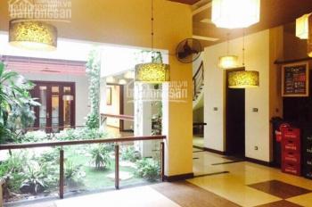 Cho thuê biệt thự MP Ngô Thì Nhậm 200m2 x 2 tầng, MT 8m, giá thuê 128 tr/th. LH: 0946850055