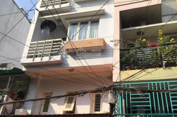 Bán gấp nhà hẻm 5m Nguyễn Trãi, 3.6*9m, Trệt, lửng, 3 lầu. Giá 7,9 tỷ. LH: 0916.272.939
