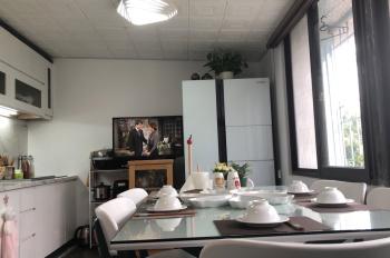 Chính chủ chuyển công tác cần bán gấp căn nhà tập thể Trung Tự, DT 115m2, 2PN, đầy đủ nội thất