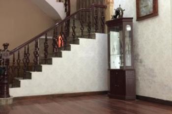 Nhà 3 tầng, 1 tum, lô góc phố Tô Hiến Thành cho thuê