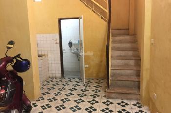 Cho thuê nhà ngõ xe 3 gác phố Lê Thanh Nghị, cách mặt phố 50m, 30m2 x 3 tầng, giá 6,5 triệu/tháng