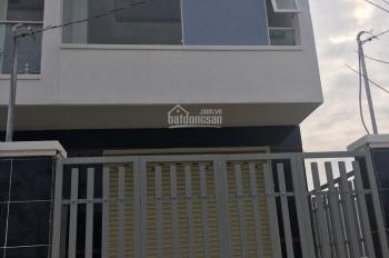 Bán nhà 1 lầu 1 trệt, đường Nguyễn Văn Tăng, Long Thạnh Mỹ, DT: 53m2, giá: 1tỷ800tr, LH: 0963077647