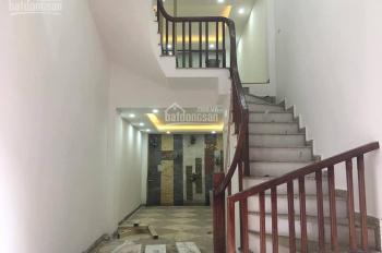 Bán nhà ngõ 509 Vũ Tông Phan cách Ngã Tư sở 1km, 34m2 x 5 tầng mới đẹp, giá 2.9 tỷ. LH: 0968125598