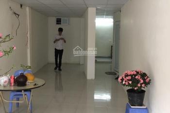 Cho thuê cửa hàng mặt phố Nguyễn Hữu Huân, DT 31.5m2 x 5T, MT 2.5m, giá 27 tr/th. LH 0974739378