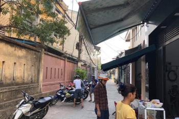 Kiệt ô tô Trần Cao Vân ngay trường Đinh Bộ Lĩnh thông ra biển
