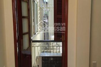 Cần bán gấp khối tòa nhà mặt phố Lò Đúc, tổng diện tích sổ đỏ là 303m2, giá 110 tỷ có thương lượng