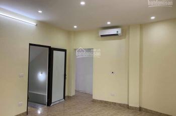 Cho thuê phòng có điều hòa giá 2tr - 3tr/th số 15A ngõ 88 Trần Duy Hưng. LH 0901733914