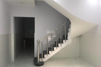 Cho thuê nhà 4x15m, 1 lầu 2 phòng ngủ, đường 7m gần CC Lê Thành