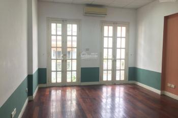 Cho thuê nhà phân lô Nguyễn Ngọc Vũ - Lê Văn Lương - Láng. Diện tích 100m2 xây 75m2 4T, ngõ 5m
