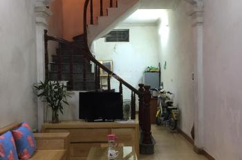 Bán nhà chính chủ ngõ phố Lương Khánh Thiện, DT 33m2, giá 2.5 tỷ