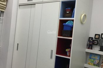 Gia đình tôi cần bán căn hộ CC 103 Văn Quán 2PN - Nội thất cao cấp của Vinhomes. LH: 0975481196