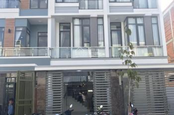 Bán nhà phố 3 lầu đẹp gần ngã ba Cây Điệp tiếp giáp Lê Hồng Phong và Tân Vạn Mỹ Phước LH 0967317819