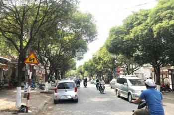Bán gấp nhà mặt tiền đường Phan Trung (đường 5 cũ), ngang 12m, TP. Biên Hòa.