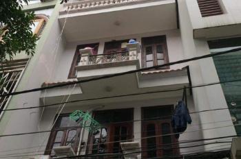 Cho thuê nhà ngõ 100 phố Hoàng Quốc Việt. DT 50m2 x 4 tầng, 2 phòng / tầng, giá 16 triệu/th