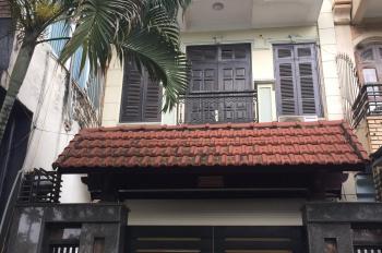 Cho thuê nhà gấp ở Trung Yên 10, Trung Hòa, Cầu Giấy, Hà Nội. DT 106m2, 3 tầng, MT 5m, giá 45tr/th