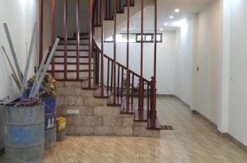 Bán nhà phân lô phố 8/3, phường Quỳnh Mai, ô tô vào nhà, DT 52m2 x 5T, giá 6,7 tỷ