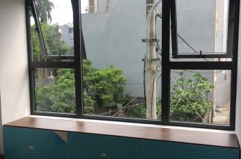 Chính chủ bán nhà 3 tầng xây mới cực đẹp tại Nguyễn Văn Cừ, Long Biên