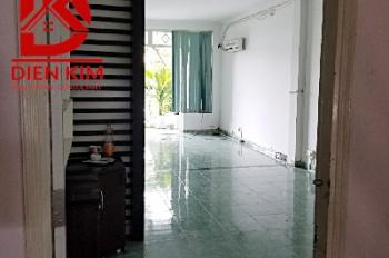 Cho thuê nhà nguyên căn mặt tiền đường D2, diện tích 4x20m, 2 lầu, LH: 0702270000