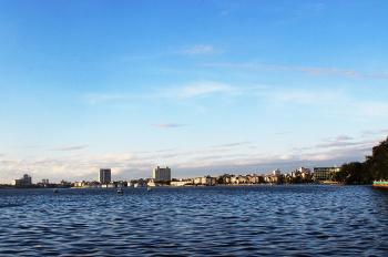 Cần bán tòa nhà căn hộ mặt phố Trúc Bạch (mặt Hồ Tây) 130m2, xây mới 8 tầng, 44 tỷ, LH 0983132269