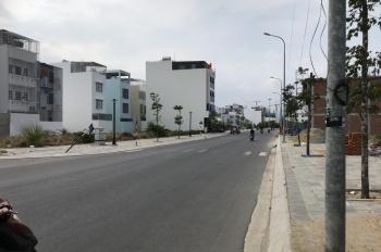Chính chủ cần bán nhà ngay trung tâm thành phố, mặt tiền hẻm rộng 4m, hướng Đông Nam, LH 0339928879