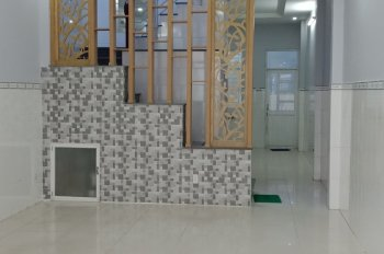 Cho thuê nhà hẻm 6m Nguyễn Tri Phương gần Nguyễn Trãi, 4.5m x 22m, trệt, lầu, nhà mới 100%