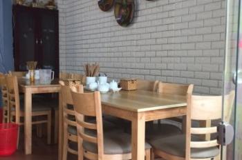 Cho thuê sang nhượng cửa hàng ăn tại phố Tuệ Tĩnh, 20m2, MT 4m, giá 18 tr/th. LH: 0836309999
