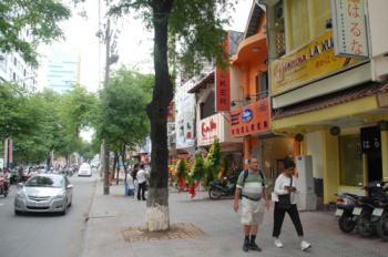 Bán nhà mặt tiền đường Nguyễn Đình Chiểu, P6, Quận 3