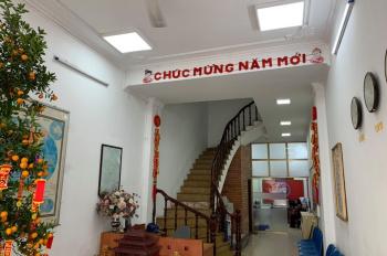 Cho thuê nhà mặt phố Nguyễn Văn Cừ, Long Biên. 40tr/th