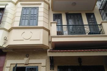 Chính chủ cho thuê nhà riêng 4 tầng view HOT làm văn phòng, kinh doanh, tại Yên Phụ, Tây Hồ