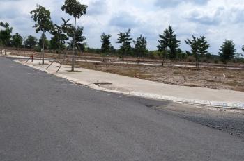 Kẹt tiền cần bán gấp lô đất đối diện sân golf lOng Thành, LH 0962175456