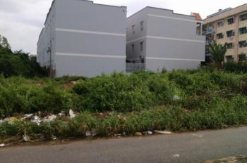 Bán đất 175m2 (12 x 16m) thổ cư nằm ngã 3 đường 892 Tạ Quang Bửu tại P5, Q8 LH 0949618022