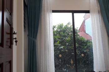Tôi cần bán nhà 4 tầng Phan Đình Giót, La Khê, HĐ. Ô tô 7 chỗ vào nhà có sân chơi riêng, giá 2tỷ59