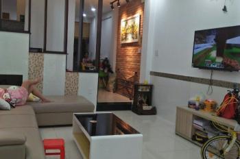 Bán nhà hẻm 5m Khuông Việt, P. Phú Trung, Q. Tân Phú, DT 4.4x11m, 3 lầu đúc, gần Đầm Sen