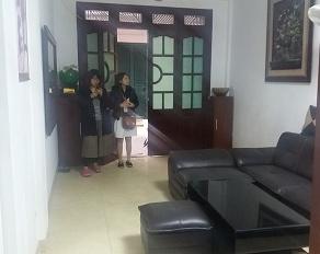 Cho thuê nhà riêng trong ngõ 24 đường Hoàng Quốc Việt. DT 50m2 x 3,5 tầng làm VP kinh doanh và ở