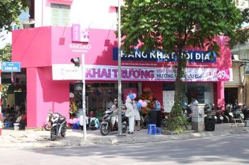 Cho thuê nhà mặt phố Bà Triệu, DT: 350m2, MT 10m