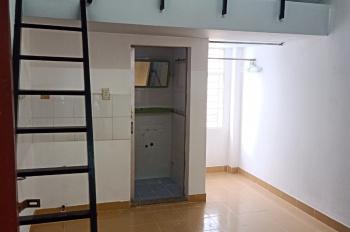 Phòng trọ cho thuê giá rẻ ngay khu sân bay quận Tân Bình LH: 0988614946