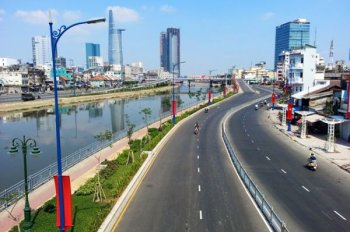 Bán nhà mặt tiền Bến Vân Đồn, Quận 4. DT: 4,2x22m 4 lầu, giá 37 tỷ, gần đường Khánh Hội, Quận 1